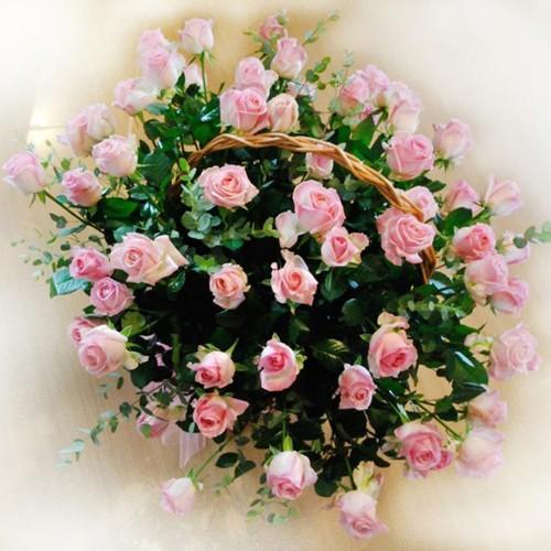 Kosz kwiatowy różowa pantera
